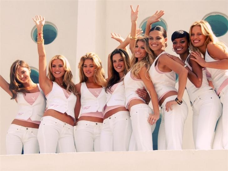 Victoria Secret Angels Model Mac Wallpaper
