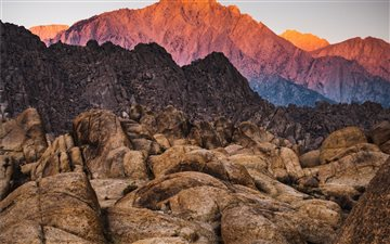 Lone Pine Peak, as seen f... Mac wallpaper