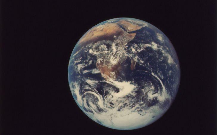 Full Disk Earth, Apollo 1... Mac Wallpaper