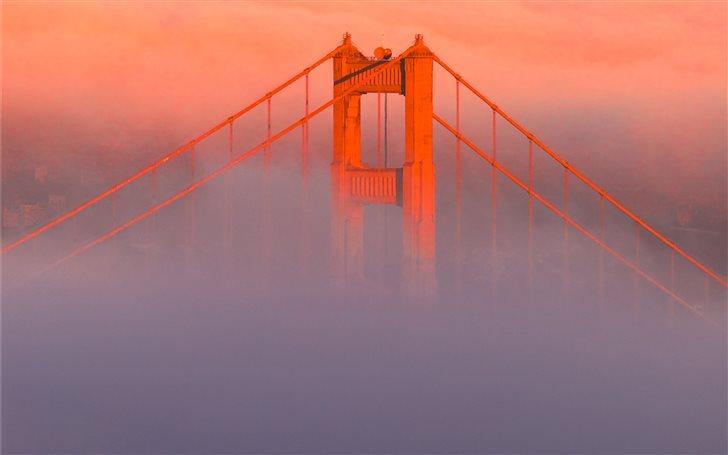 Summer Fog of San Francis... Mac Wallpaper