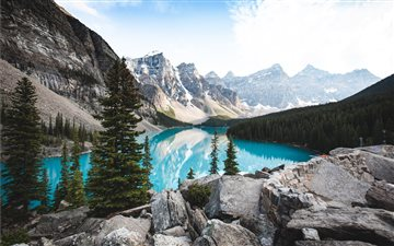View of Moraine Lake from... All Mac wallpaper