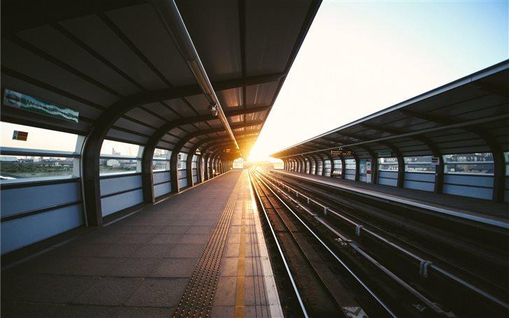 photo of train station Mac Wallpaper