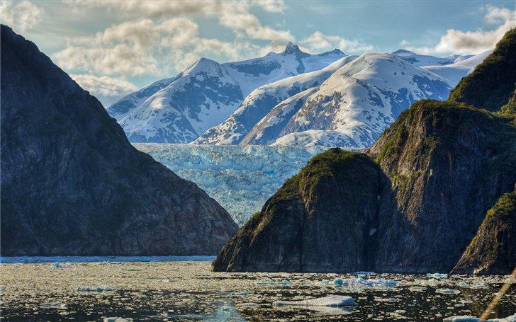 photography of mountain near body of water Mac Wallpaper
