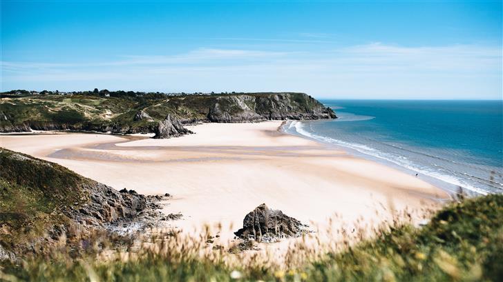 landscape photography of beach Mac Wallpaper
