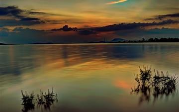 Warm sunset Mac wallpaper