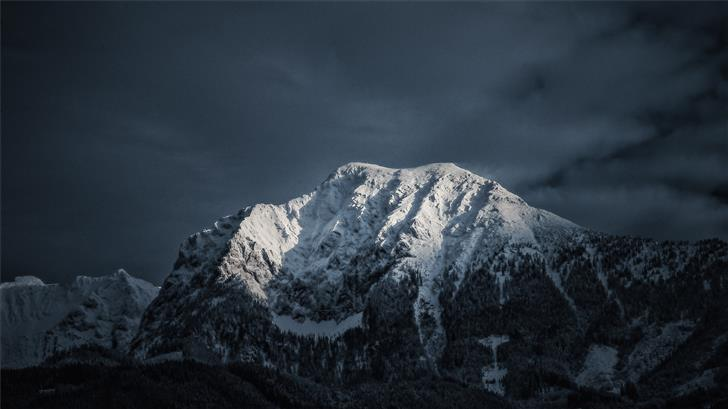 shallow focus photo of snow covered mountain Mac Wallpaper