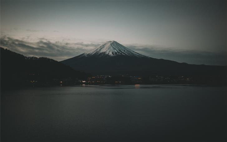 photo of mountain Mac Wallpaper