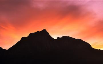 silhouette of mountain peak MacBook Air wallpaper
