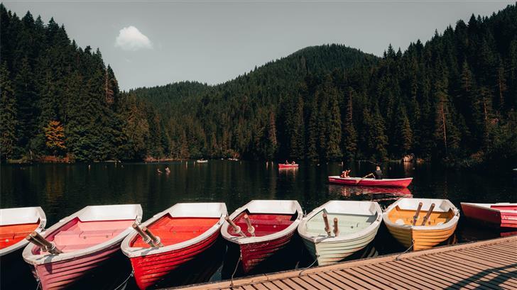 boats on lake Mac Wallpaper
