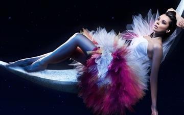 Ballerina Chill Moon Mac wallpaper