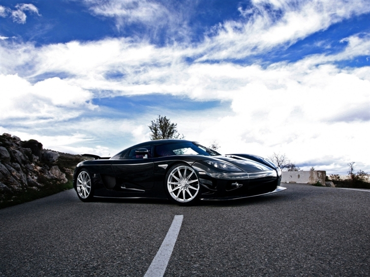 Car road Mac Wallpaper
