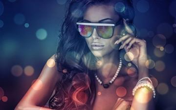 Girls glasses Mac wallpaper