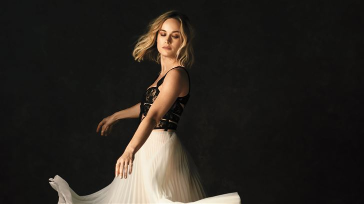brie larson the hollywood reporter photoshoot 2019 Mac Wallpaper