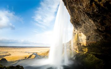 seljalandsfoss iceland waterfall 5k iMac wallpaper