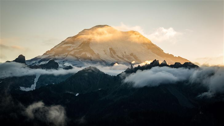 sun setting behind mount rainier 5k Mac Wallpaper