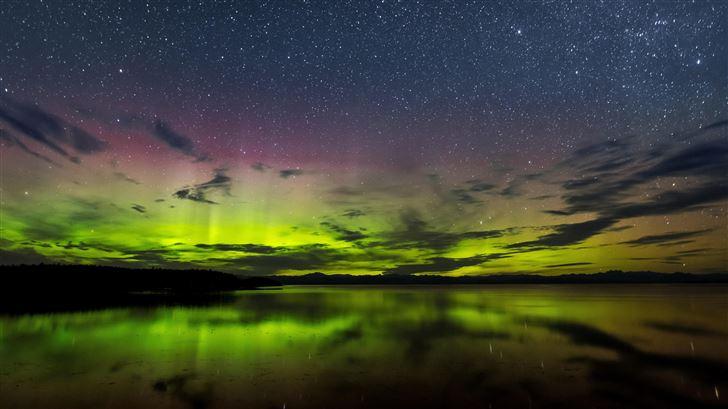 aurora borealis vancouver island 8k Mac Wallpaper