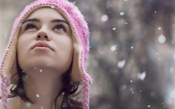 Girl In The Snowflake Mac wallpaper