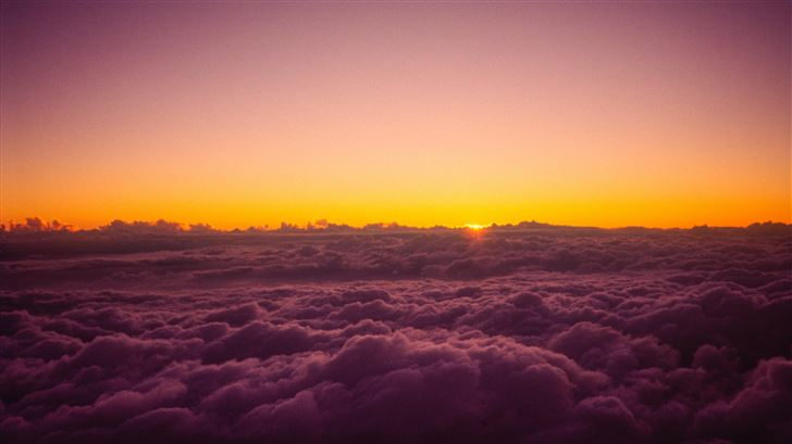 sun rises over the clouds from on top of mount fuj Mac Wallpaper
