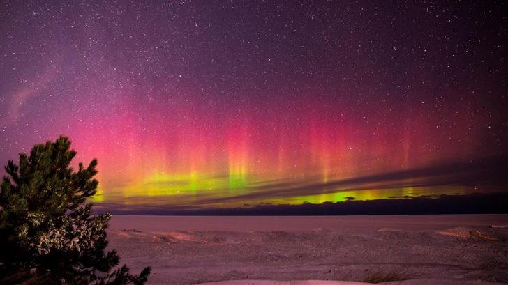 aurora borealis in marquette michigan Mac Wallpaper