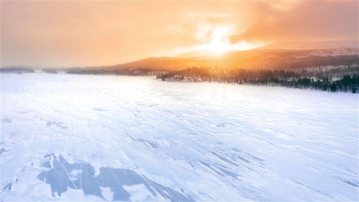 frozen lake Mac Wallpaper