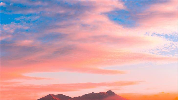 clouds over volcano 4k Mac Wallpaper