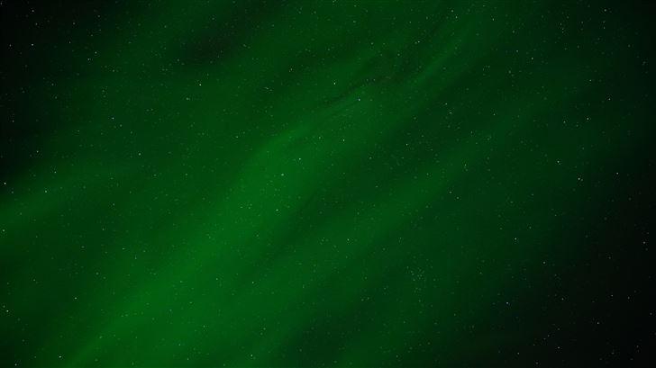 green northern lights 8k Mac Wallpaper