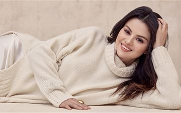 selena gomez 8k 2021 MacBook Air wallpaper