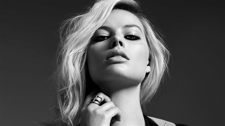 margot robbie monochrome 5k Mac Wallpaper