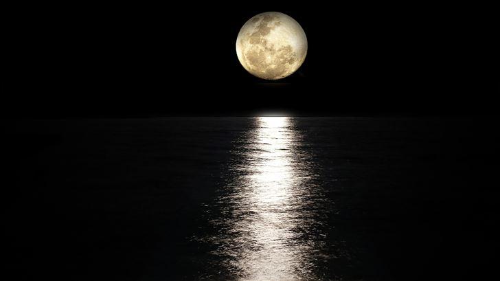 dark night moon reflection in sea 5k Mac Wallpaper