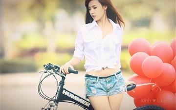 Girl Bicycle Balloon Mac wallpaper