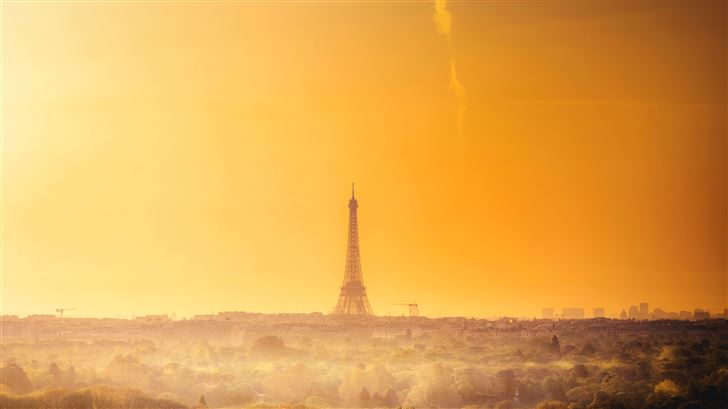 eiffel tower 5k Mac Wallpaper