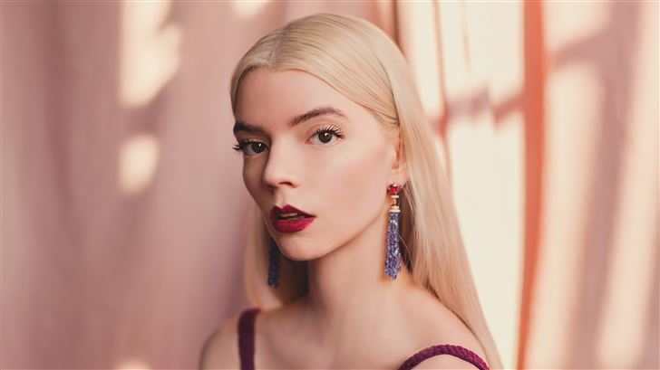 anya taylor joy 2021 critics choice awards portrai Mac Wallpaper