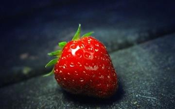 Red strawberry Close-Up Mac wallpaper