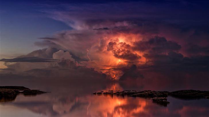 thunderstorm in ocean 5k Mac Wallpaper