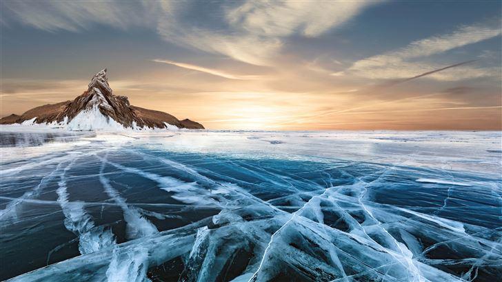 frozen lake 8k Mac Wallpaper