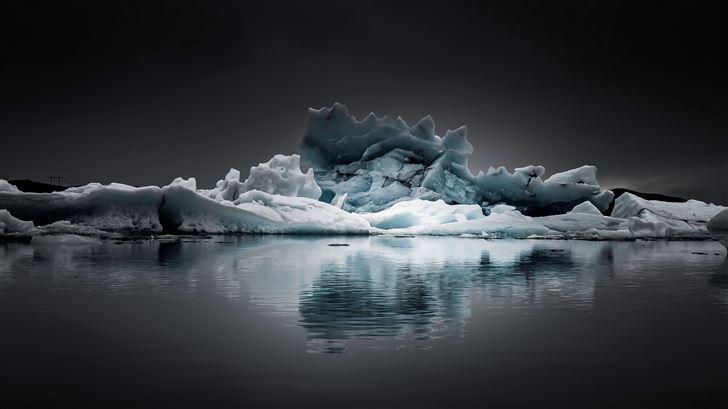 iceberg at jokulsarlon Mac Wallpaper