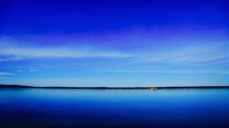 lake under blue sky Mac Wallpaper