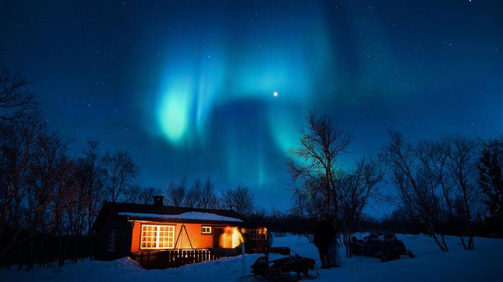 house under aurora northern lights Mac Wallpaper
