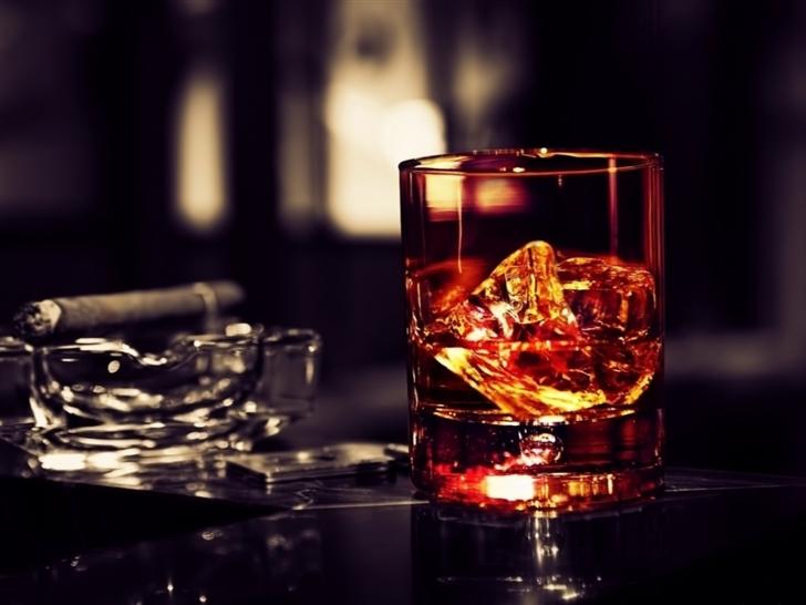 Whisky Ice Cigar Mac Wallpaper