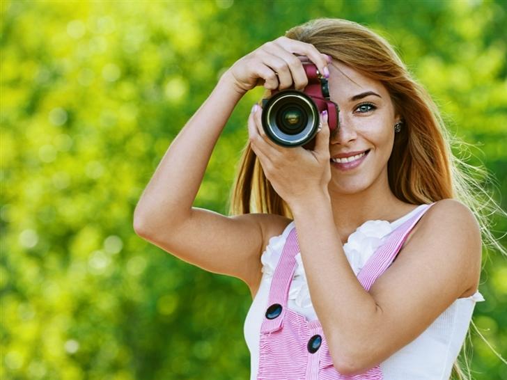Smile To The Camera Mac Wallpaper