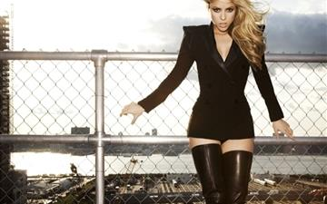 Shakira In Black All Mac wallpaper