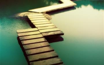 Water dock Mac wallpaper