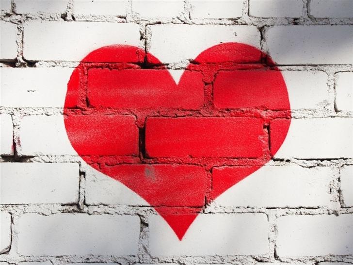 Wall Painted Heart Mac Wallpaper