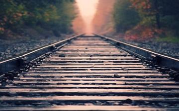 Rail close-up Mac wallpaper