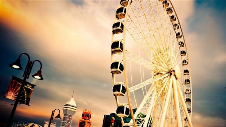 Happy Ferris Wheel Mac Wallpaper