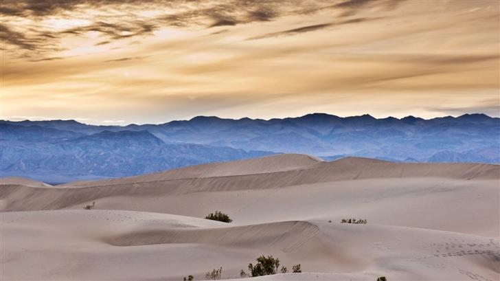 desert and  mountain Mac Wallpaper