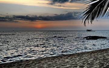 The seaside sunset Mac wallpaper