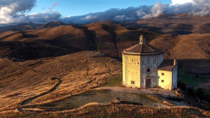 Abruzzo,Italy Mac Wallpaper