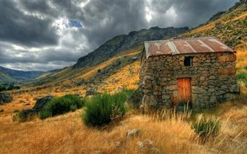 The hut in valley All Mac wallpaper