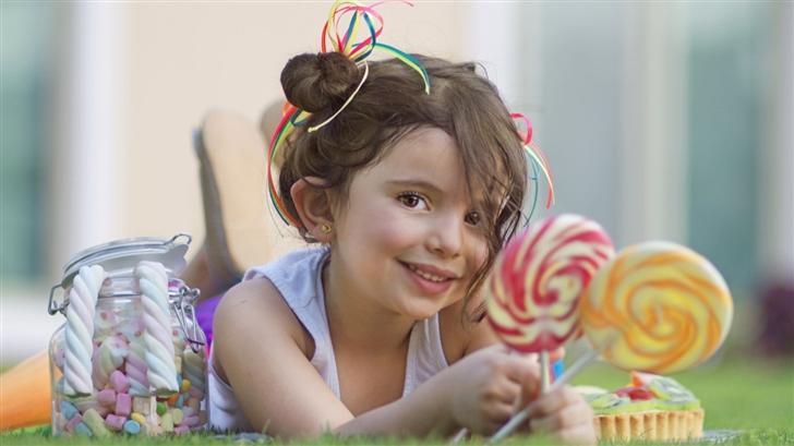 Cute Child Girl Mac Wallpaper